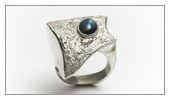 Asymmetry collection Ring (925 Silver textured and black opal)